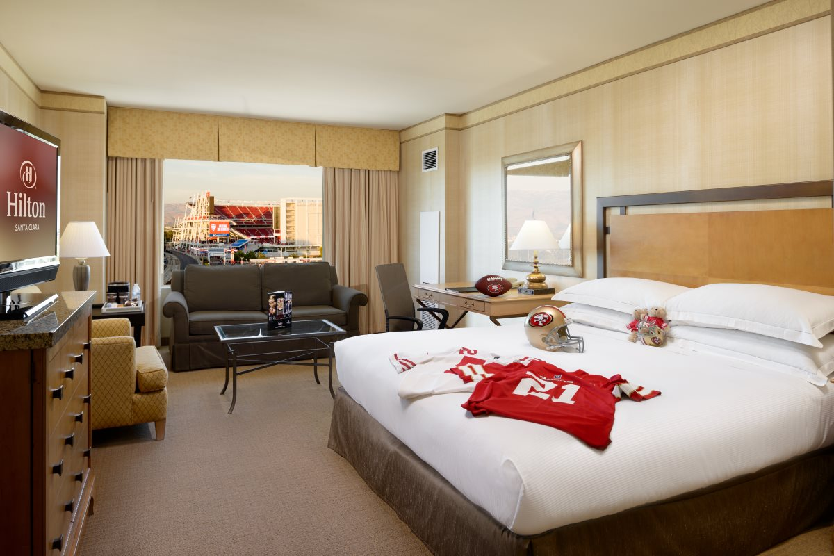 1 KING BED<br>LEVI STADIUM VIEW