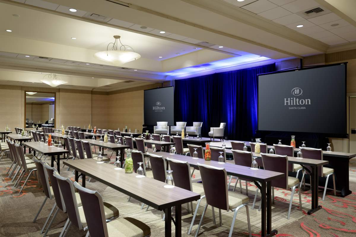 http://hiltonsantaclara.com/wp-content/uploads/2018/11/HSC-corporate.classroom-set-in-sierra-ballroom-small-2.jpg